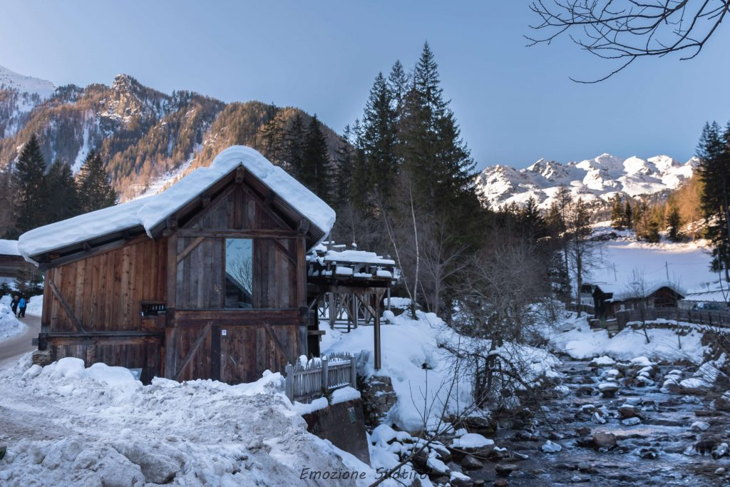 Centro visite Lahnersäge in Val d'Ultimo in inverno